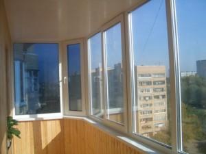 osteklit-lodzhiyu-i-balkon